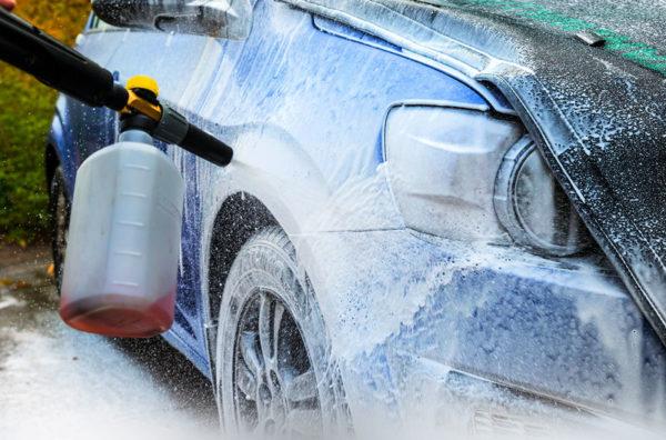 Как безопасно и правильно мыть автомобиль в жаркую погоду без вреда для лкп
