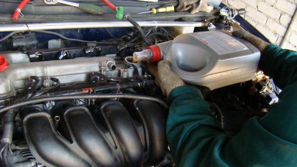 Какое масло лить в старый двигатель?