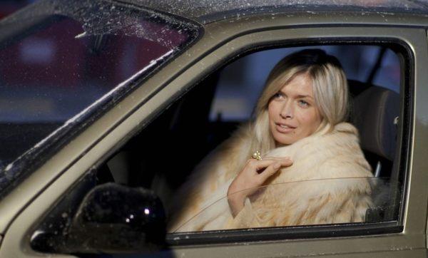 На какой машине ездит Вера Брежнева (фото)