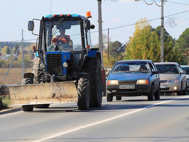 Как правильно обгонять тихоходы на дороге