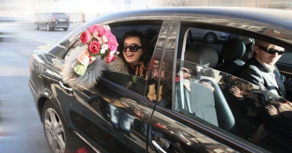 На какой машине ездит Анастасия Заворотнюк