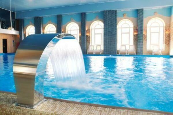 Где отдохнуть на Новый год 2020 в Подмосковье с бассейном и шведским столом