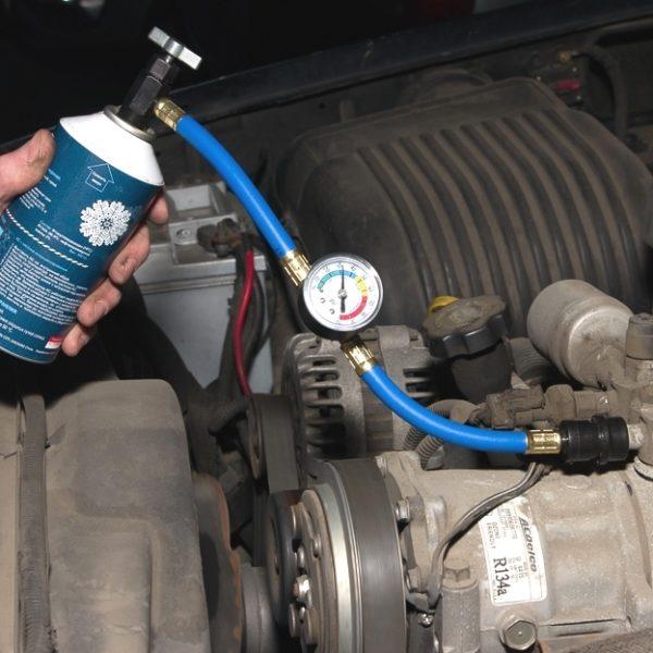 Как самостоятельно поменять жидкость в кондиционере автомобиля: последовательность работ