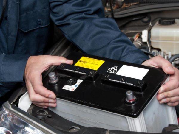 Как правильно заряжать необслуживаемый аккумулятор для автомобиля