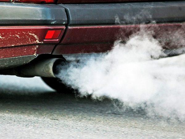Причины появления густого белого дыма из выхлопной трубы на дизеле