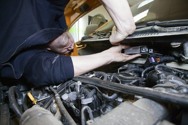 Что дает чиповка двигателя автомобиля и стоит ли ее выполнять