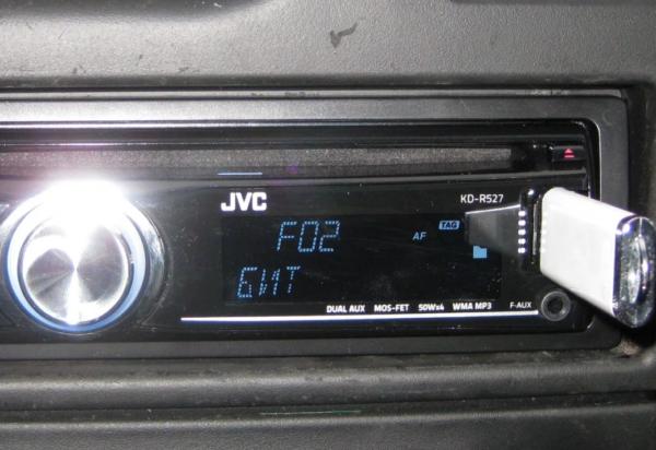Что делать, если автомагнитола в машине не читает флешку