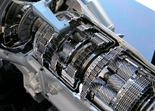 Чем отличается коробка трансмиссии АМТ от АТ, плюсы и минусы конструкций