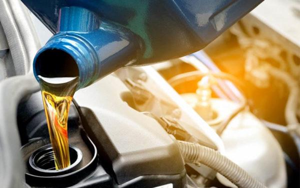 Как понять, что масло в двигателе нужно менять и сколько ходить моторное масло